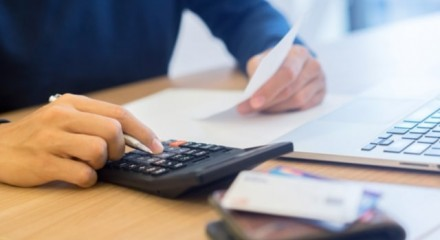 Should I pay an upfront business broker fee to sell my business?